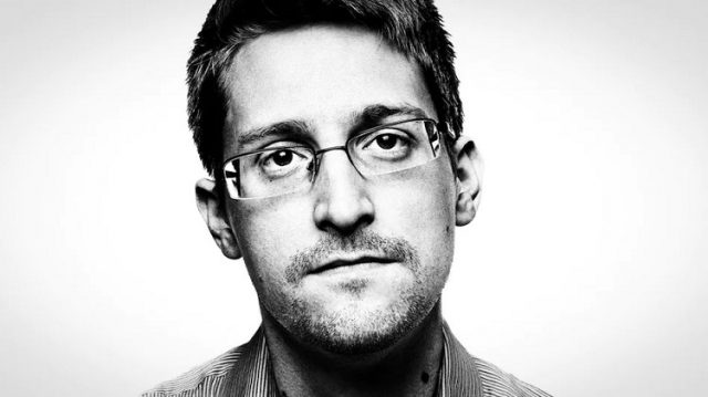 От чего предостерегает Эдвард Сноуден?